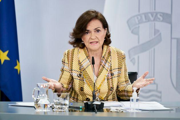 La vicepresidenta primera, Carmen Calvo, durante una rueda de