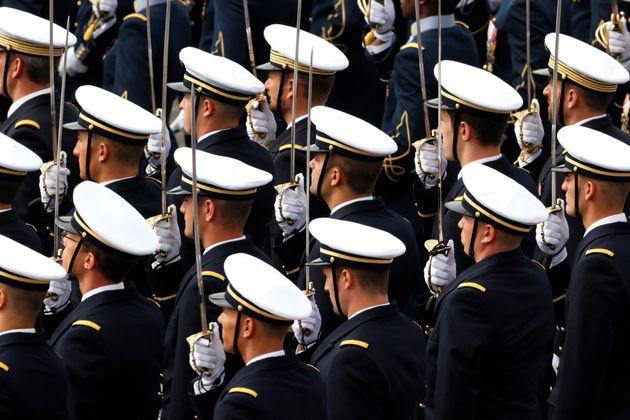 Les militaires signataires d'une tribune dans l'hebdomadaire d'extrême droite