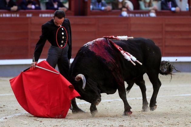 Enrique Ponce, toreando en Las