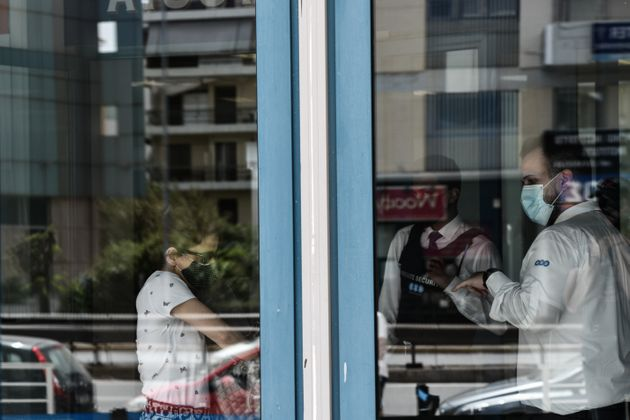 Θεσσαλονίκη: Ερευνα για θάνατο 44χρονης μια ημέρα μετά τον εμβολιασμό της με