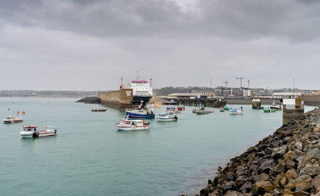 Ce jeudi 6 mai, une cinquantaine de pêcheurs français s'étaient réunis à Jersey, pour dénoncer les conditions...