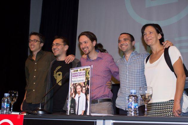 Iglesias, junto a Errejón, Monedero, Luis Alegre y Carolina Bescansa en