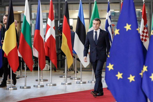 À Porto, Emmanuel Macron (ici à Bruxelles en décembre 2018) reprend son bâton...