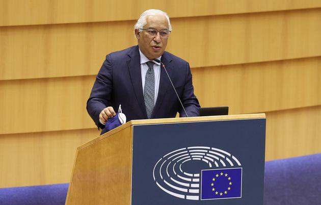 El primer ministro de Portugal, Antonio Costa, firma la declaraciónconjunta relativa a la...