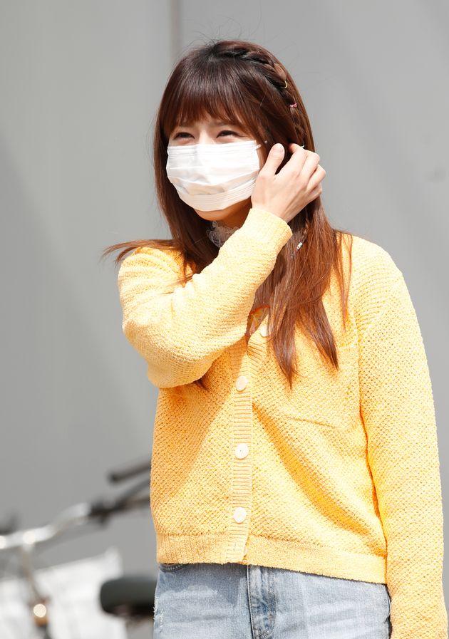 '미스트톳2' 양지은이 3월 18일 오후 경기도 고양시 일산 JTBC에서 열린 JTBC 예능프로그램 '아는 형님' 녹화를 위해 출근을 하고