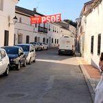 Las irreductibles aldeas galas del PSOE que pararon el 'huracán