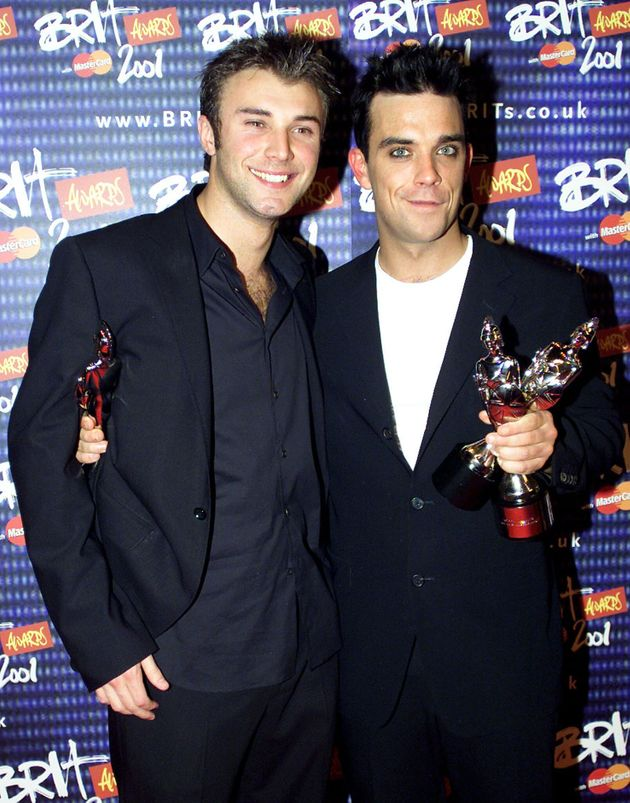 Robbie Williams and Jonathan Wilkes at the 2001