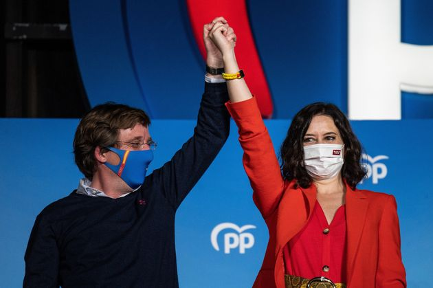 El alcalde de Madrid, José Luis Martínez-Almeida, y la presidenta regional, Isabel Díaz...