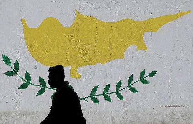 Κύπρος: Υπάρχει μέλλον μετά την συντριβή της πολιτικής της