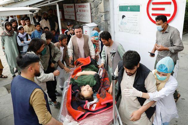 Afghanistan, strage di studentesse a Kabul. Attacco contro una scuola femminile