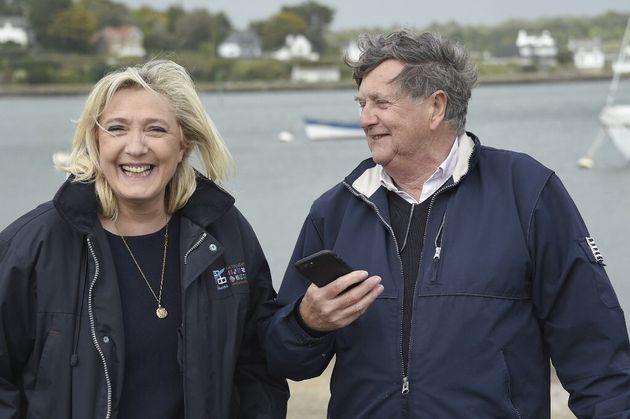 Marine Le Pen a présenté Florent De Kersauson, candidat RN aux régionales dans le Morbihan comme le fondateur...