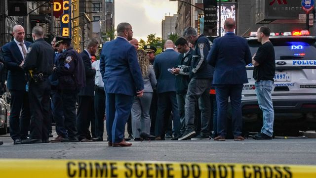 4-Year-Old Girl Among 3 Hit By Stray Bullets In NYC's Times Square.jpg