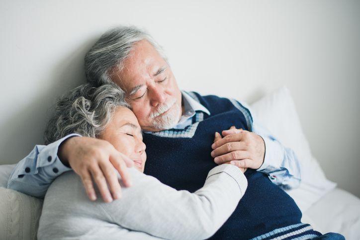신체적, 사회적 이유로 인해 수면 장애를 앓는 고령층이 늘고