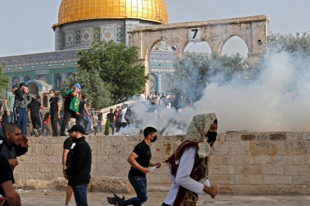 Gerusalemme, polveriera esplosa. In fiamme la Spianata delle