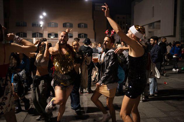 Celebración en Barcelona tras el fin del estado de