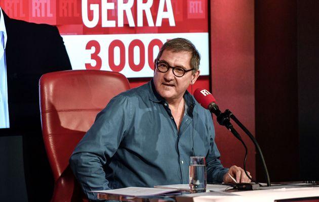 Yves Calvi, ici au mois de mars 2020 à l'antenne de