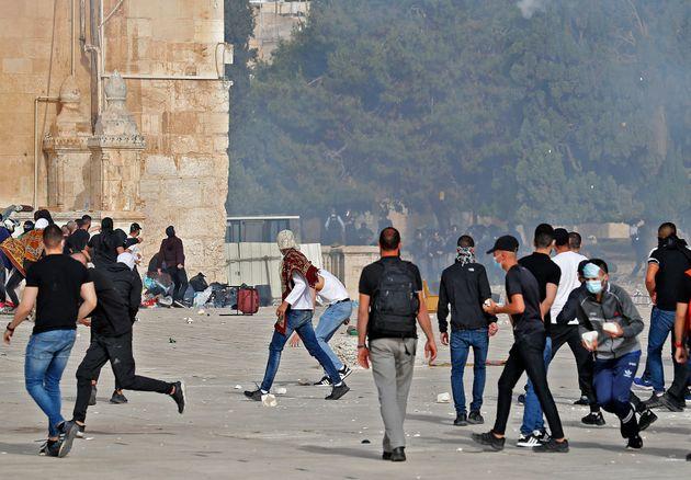 Πεδίο μάχης η Πλατεία των Τζαμιών στην Ιερουσαλήμ και πορεία υπερεθνικιστών