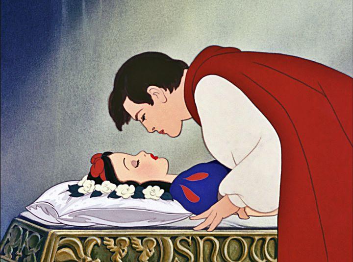 Escena del beso de 'Blancanieves'.
