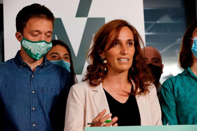 La candidata de Más Madrid en las elecciones a la Comunidad de Madrid, Mónica García, junto al líder...