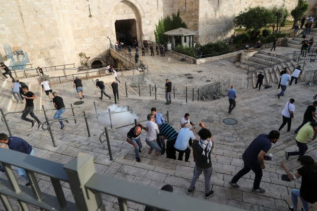 Ιερουσαλήμ: Ρουκέτες, εκρήξεις και σειρήνες «πολέμου» - Δεκάδες νεκροί στη Λωρίδα της