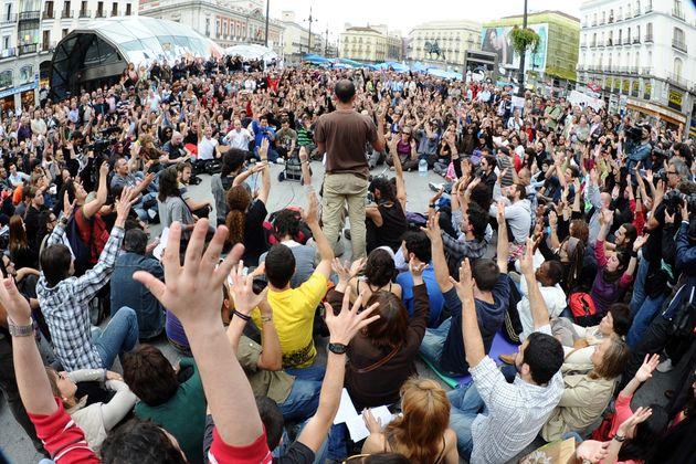 Una de las asambleas del movimiento en la Puerta del