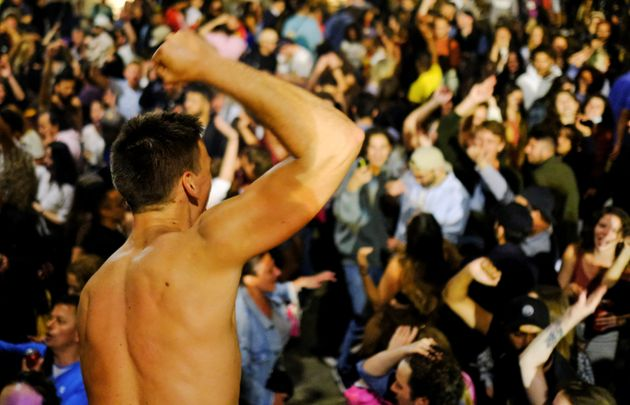 Macrobotellón en Barcelona, tras el fin del estado de alarma, el sábado