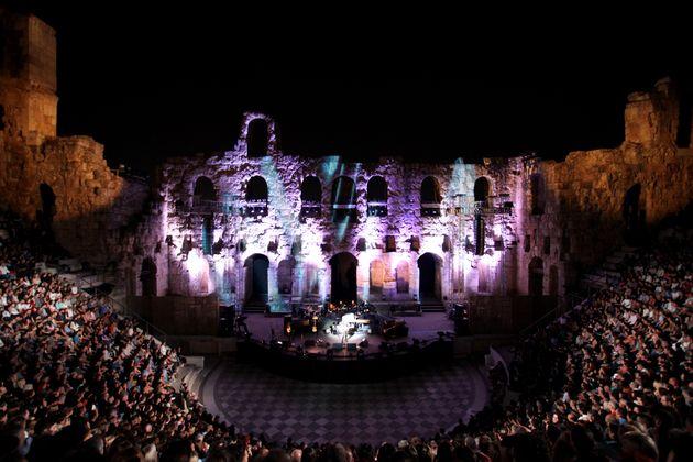 Φεστιβάλ Αθηνών: 80 παραγωγές και επαναλειτουργία της Πειραιώς