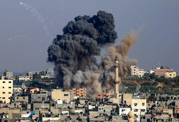 Israele, continuano i raid. Hamas: