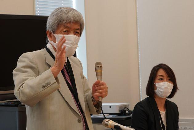 呼びかけ人の田原総一朗氏(左)と、事務局長の長野智子氏