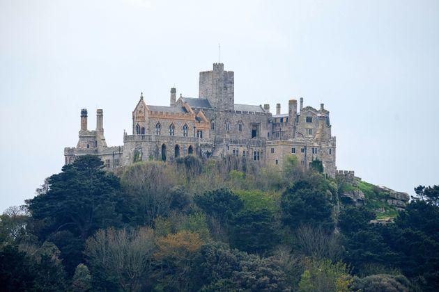 Η δουλειά των ονείρων μας: Ψάχνουν βοηθό σε ένα μαγευτικό κάστρο στην