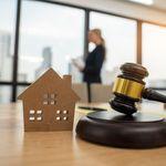 Perché la sospensione delle procedure immobiliari limita alcuni diritti