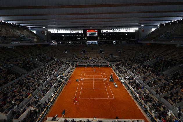 Le court de tennis dePhilippe Chatrier, à Roland-Garros le 11 octobre 2020 (Photo