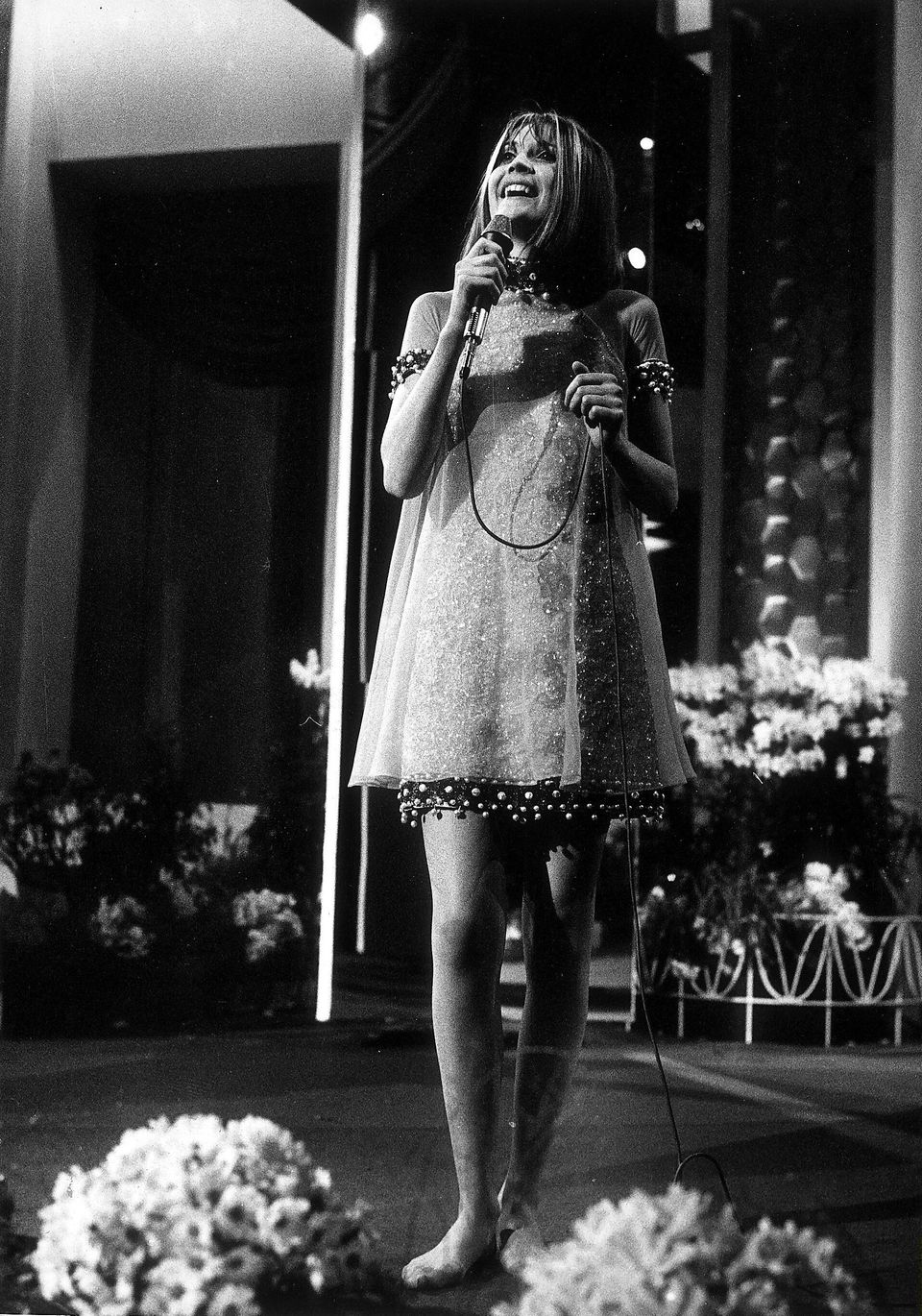 Sandie Shaw performing Puppet On A String in