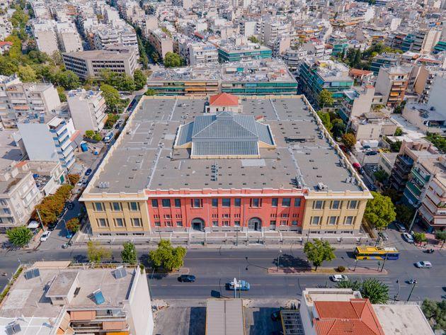 Το αναμορφωμένο μετά τις εργασίες αποκατάστασης και ανακαίνισης πρώην Καπνεργοστάσιο - Βιβλιοθήκη και Τυπογραφείο της Βουλής