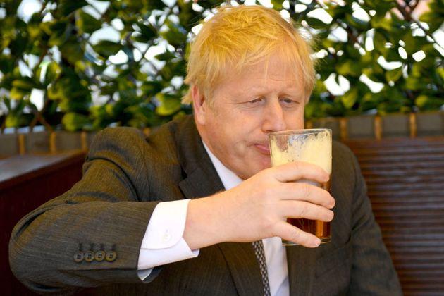 Boris Johnson reconoció que estaba demasiado gordo cuando ingreso en la UCI por