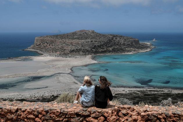 Πρεμιέρα για τον τουρισμό με ελπίδες για ένα καλό