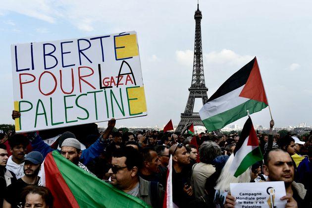 Une manifestation pro-palestinienne au Trocadéro, à Paris, le 16 mai