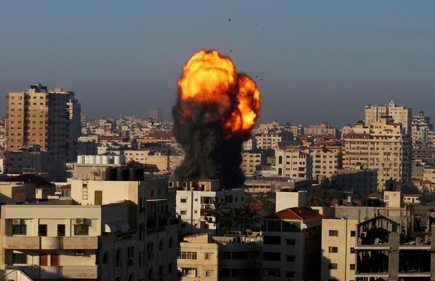 Israele Gaza: altro bombardamento a Gaza, muore una famiglia di 10 anni