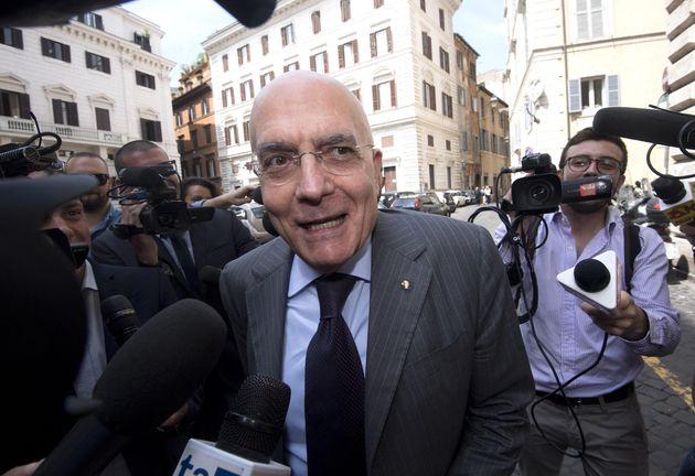 Gabriele Albertini al suo arrivo alla direzione di Ap con Angelino Alfano sulla legge elettorale, Roma,...