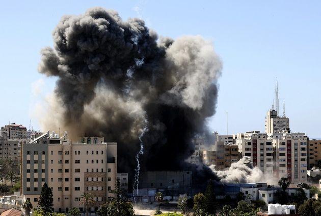 La tour Jala détruite par une frappe israélienne le 15 mai