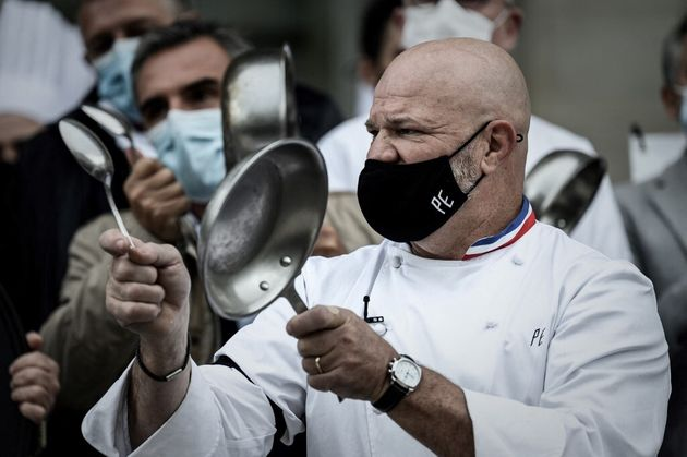 (Photo d'archive prise en octobre 2020, lors d'une manifestation de Philippe Etchebest et ses employés...