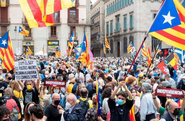 La Assemblea Nacional Catalana (ANC) convocó este sábado una concentración en la plaza Sant Jaume de...