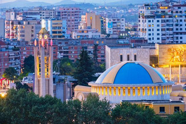 Ritorno a Tirana, come una ragazzina che ritrovi