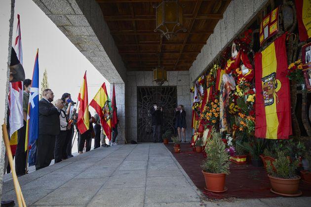 Grupos franquistas conmemoran el aniversario de la entrada de las tropas de Franco en Madrid, el 28 de...