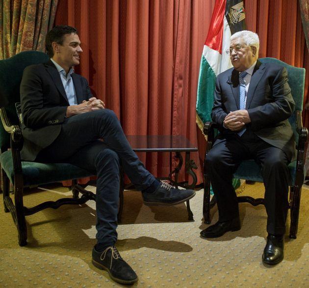 Pedro Sánchez y Mahmud Abbas, reunidos en Madrid en