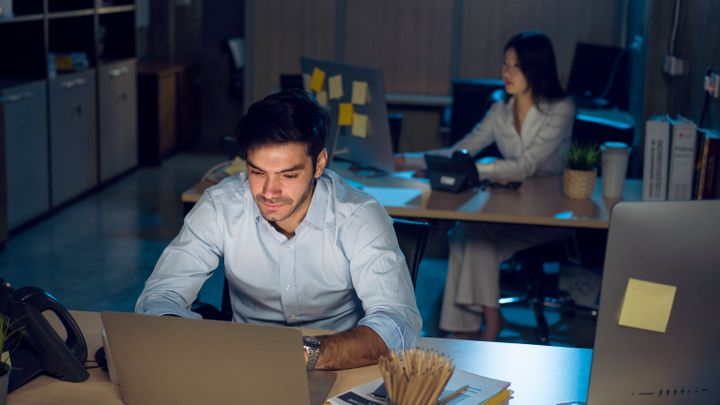 A new WHO study suggests long work hours may kill hundreds of thousands of people around the globe every year.