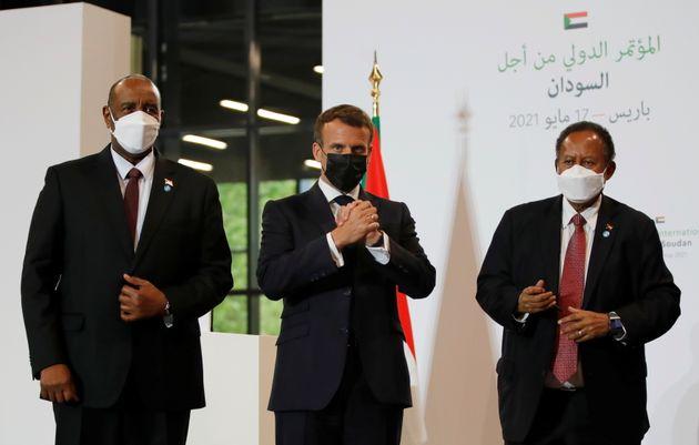 Le chef général du Conseil souverain du Soudan Abdel Fattah al-Burhan, Emmanuel Macron...