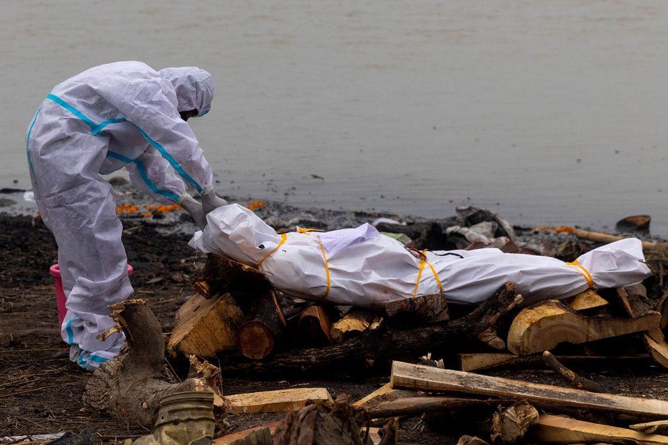 Κορονοϊός: Πάνω από 4.000 άνθρωποι χάνονται κάθε μέρα στην