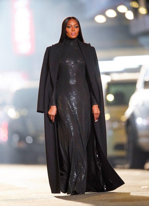 Naomi Campbell por las calles de Nueva York durante el desfile de Michael