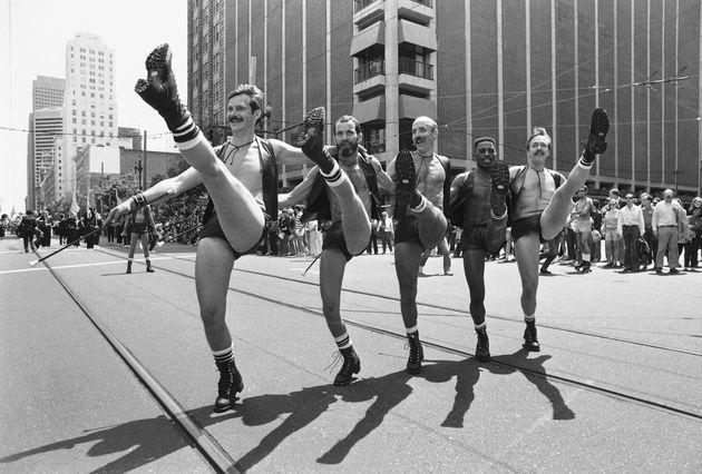 50 Vintage Photos Of Pride Parades